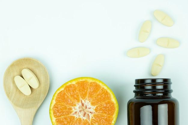 Vitamine-c medicijnpil 1000 mg hoge antioxidant beschermt covid-19 griep besmettelijke ziekte gezondheidszorg