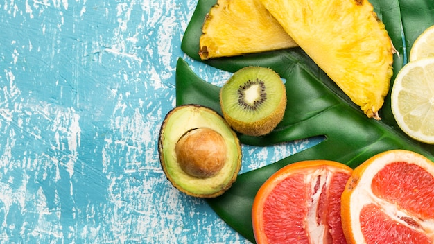 Vitamine fruitsnack op monsterablad