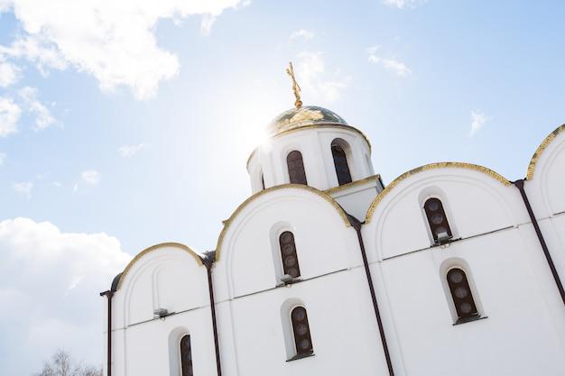 Vitebsk, wit-rusland - 20 maart 2016: de kerk van de annunciatie