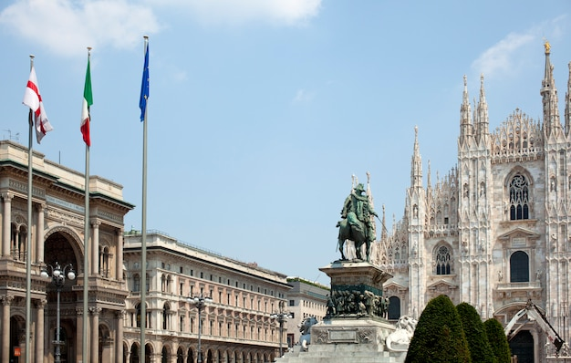 Vittorio emanuele ii-monument in milaan