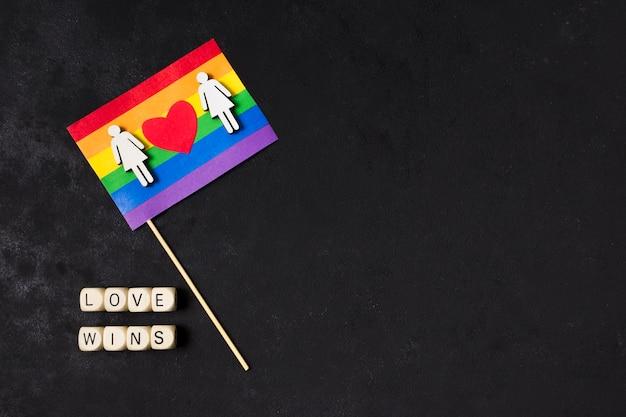 Vlag in regenboogkleuren met exemplaarruimte