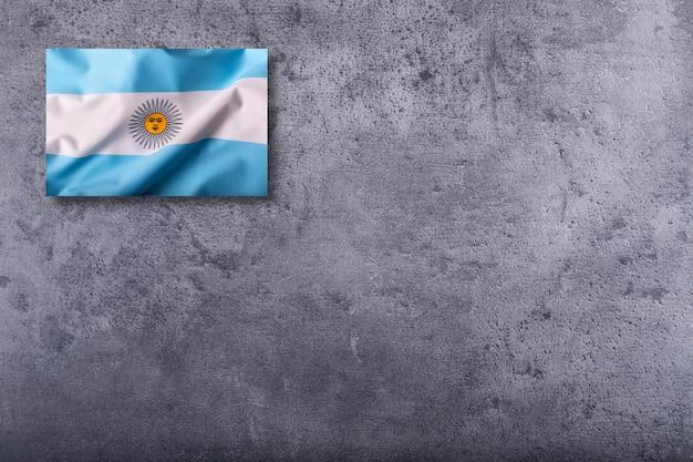 Vlag van argentinië op concrete achtergrond.