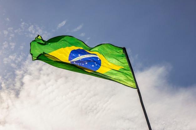 Vlag van brazilië buiten in rio de janeiro.