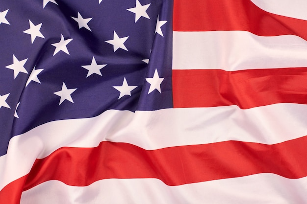 Vlag van de verenigde staten van amerika. nationale vlag van de vs, patriottisch symbool van amerika. close-up vlag zwaaien in de wind.