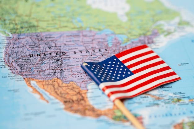 Vlag van de verenigde staten van amerika op wereldkaart