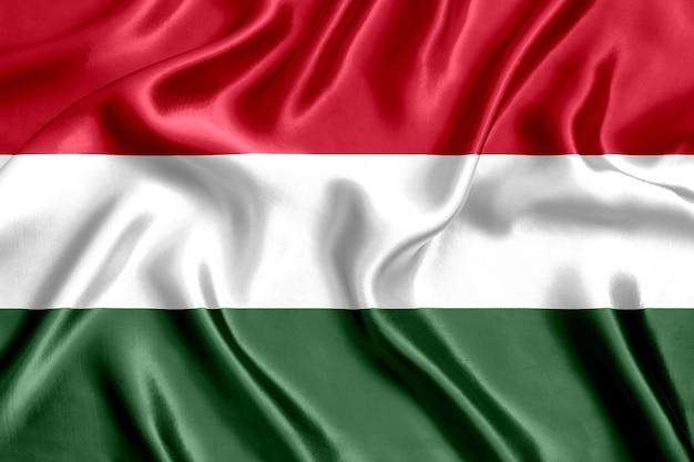 Vlag van hongarije zijde close-up achtergrond