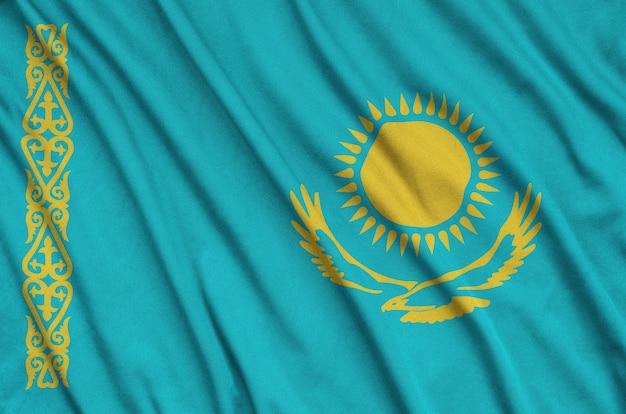 Vlag van kazachstan met veel plooien.