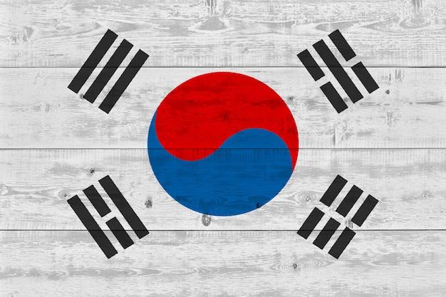 Vlag van zuid-korea geschilderd op oude houten plank