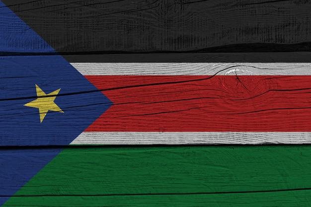 Vlag van zuid-soedan geschilderd op oude houten plank