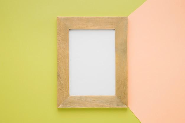 Vlak gecentreerd houten frame