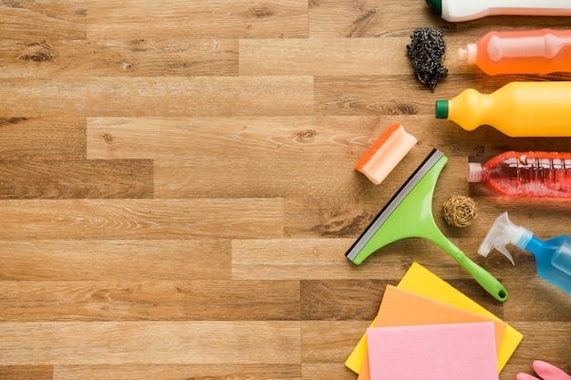Vlak leg samenstelling van schoonmakende producten met copyspace