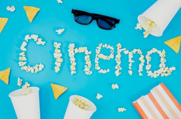 Vlak leg van popcorn en 3d glazen voor bioskoopconcept
