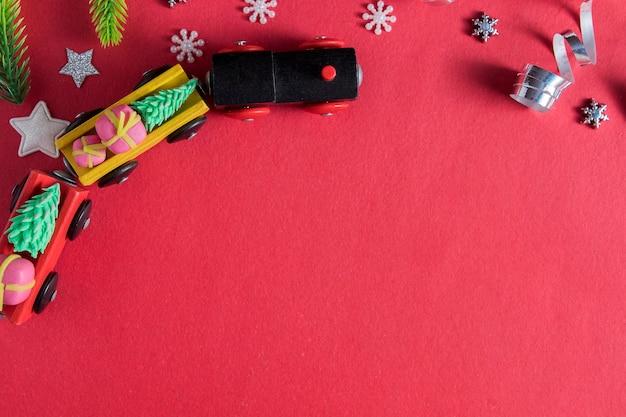 Vlakke leggen met nieuwjaar kerst speelgoed trein dennen sterren