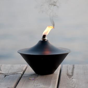 Vlam van een lantaarn in lake of the woods, ontario