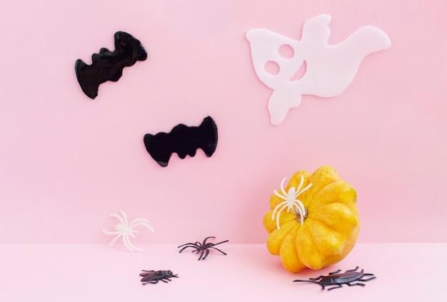 Vleermuizen, spinnen, pompoen en geest