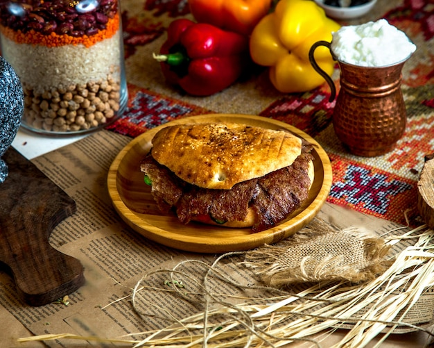 Vlees doner met slagroom