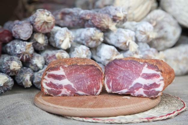 Vleesdelicatesse - schokkerig, straathandel