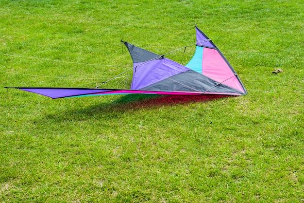 Vliegerfestival.kite op de grond