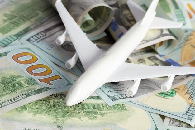 Vliegtuig op het geld