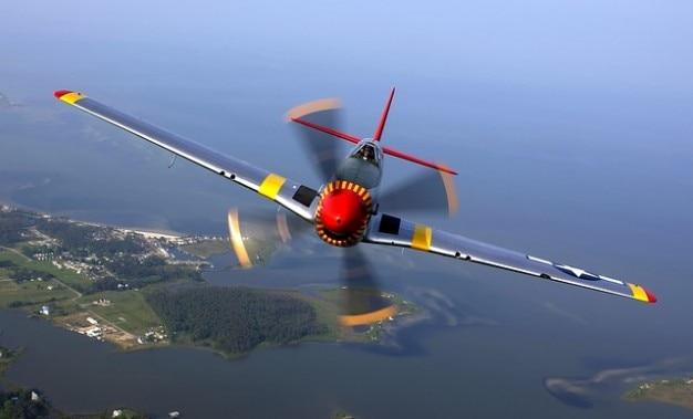 Vliegtuig vlieg propellervliegtuigen piloot