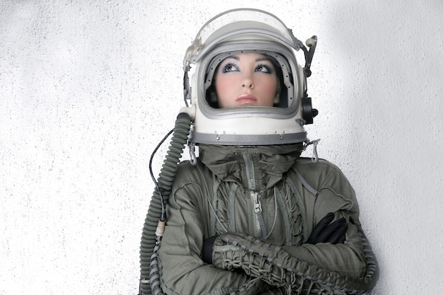 Vliegtuigen astronaut ruimteschip helm vrouw mode