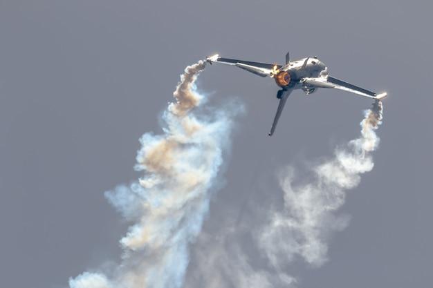 Vliegtuigen f-16 belgische solo-display