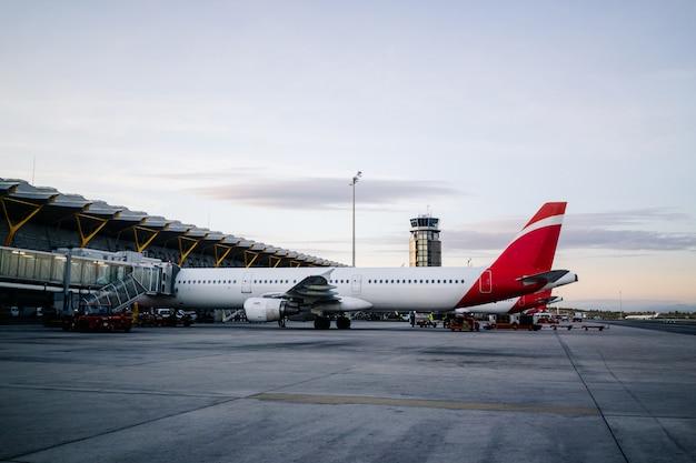 Vliegtuigen op de luchthaven