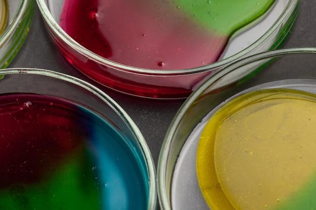 Vloeibare kunst-neon met zuurstofbellen
