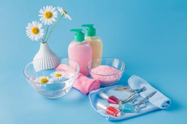 Vloeibare zeep, aromatisch badzout en andere toiletartikelen