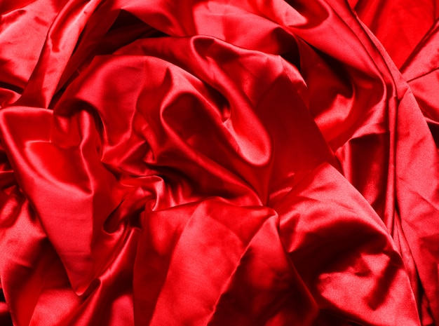 Vloeiende rode stof
