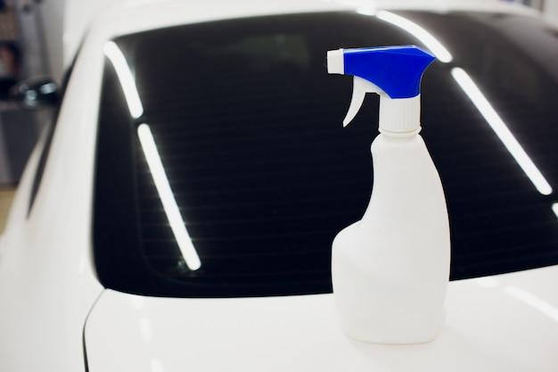 Vloeistofwasser voor autoruit