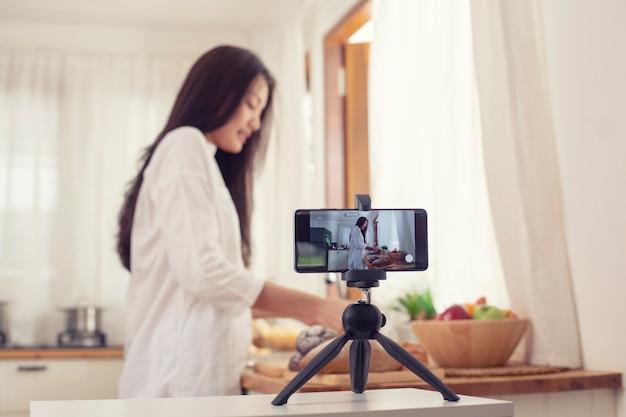 Vloggen en freelance baanconcept