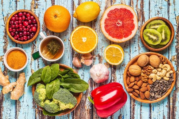 Voedingsmiddelen die het immuunsysteem versterken, bovenaanzicht.