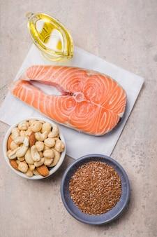 Voedingsmiddelen met veel vetzuren, waaronder groenten, zeevruchten, noten en zaden