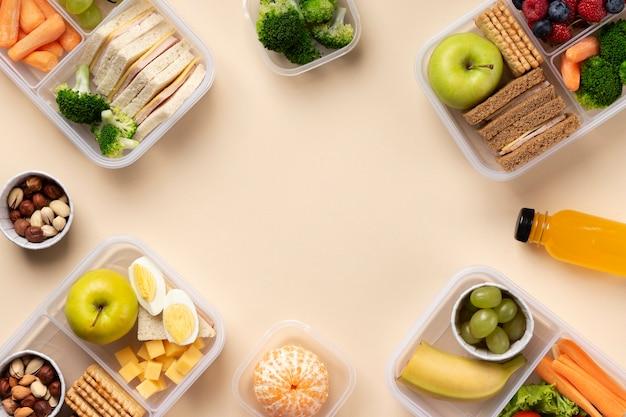 Voedsel lunchboxen arrangement met kopie ruimte