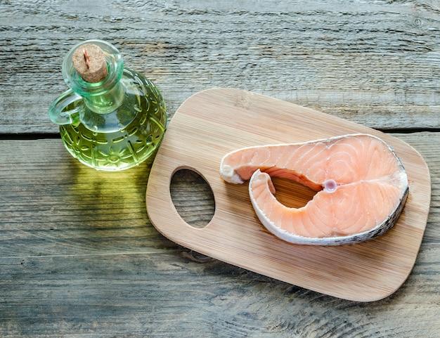 Voedsel met onverzadigde vetten - zalm en olie