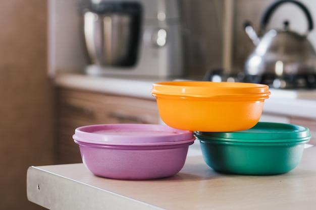 Voedsel opslag containers in de keuken