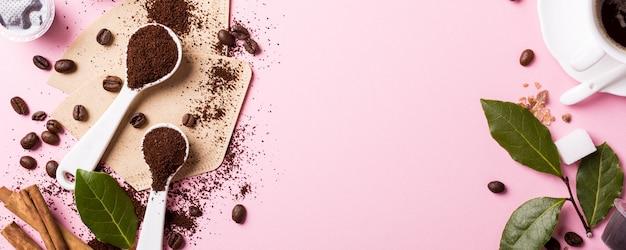 Voedselachtergrond met geassorteerde koffie