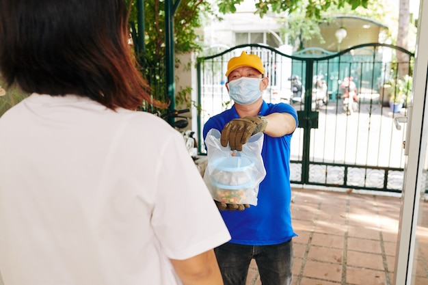 Voedselbezorging tijdens pandemie