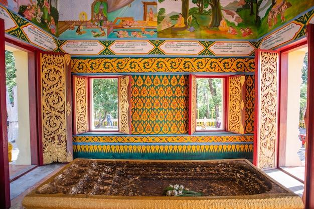 Voet boeddha beeld geloof in tempel