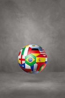 Voetbal voetbal met nationale vlaggen geïsoleerd op een betonnen studio achtergrond. 3d illustratie
