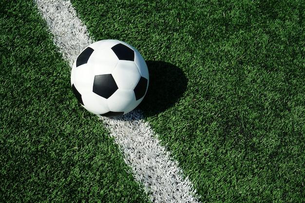 Voetbalbal met groen glas