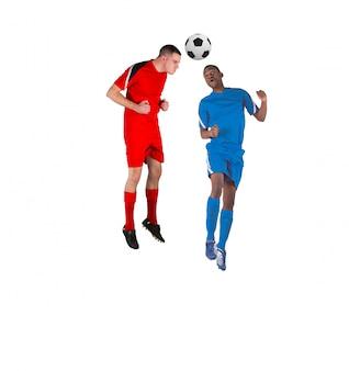 Voetbalsters die voor de bal op witte achtergrond aanpakken