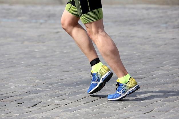 Voeten rennende atleet in opleiding