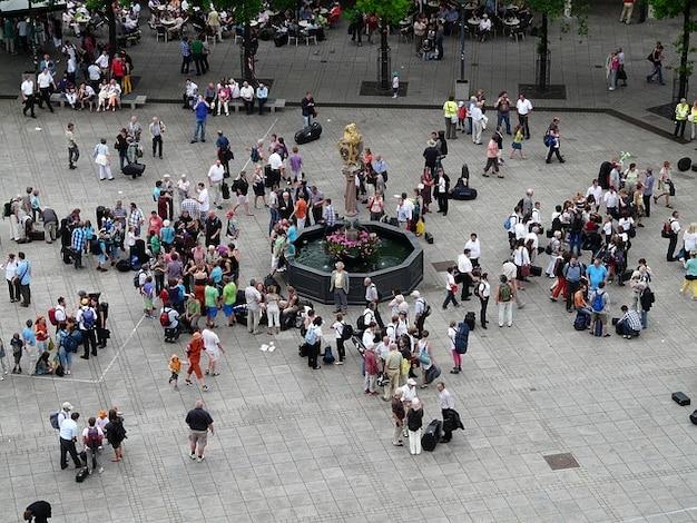 Voldoen aan persoonlijke demonstratie menigte menselijk