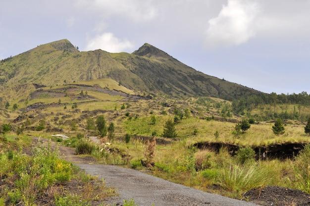 Volg naar de berg batur, kintamani, bali, indonesië