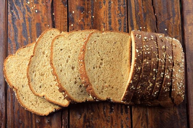 Volkoren gesneden biologisch brood