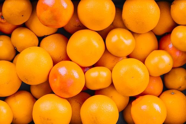 Volledig beeld van hele sinaasappelen