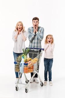 Volledig lengteportret van een geschokte familie