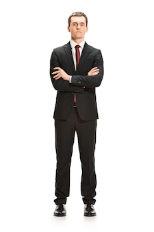 Volledig lichaamsportret van zakenman op wit